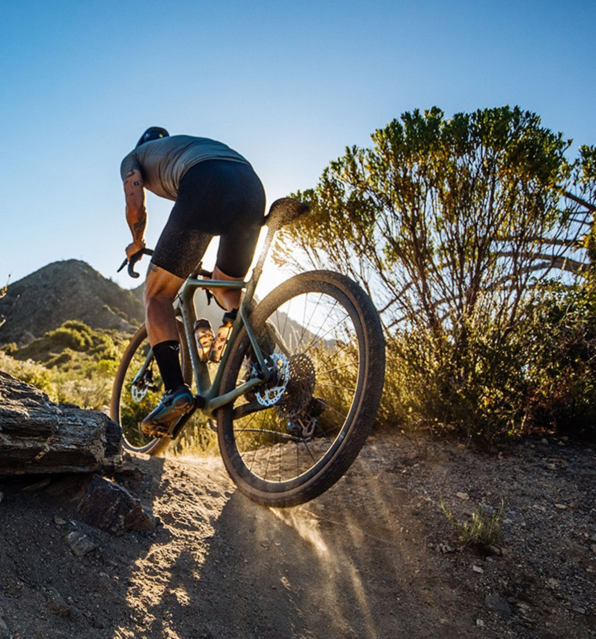 Le Santa Cruz Stigmata en action sur un chemin poussiéreux