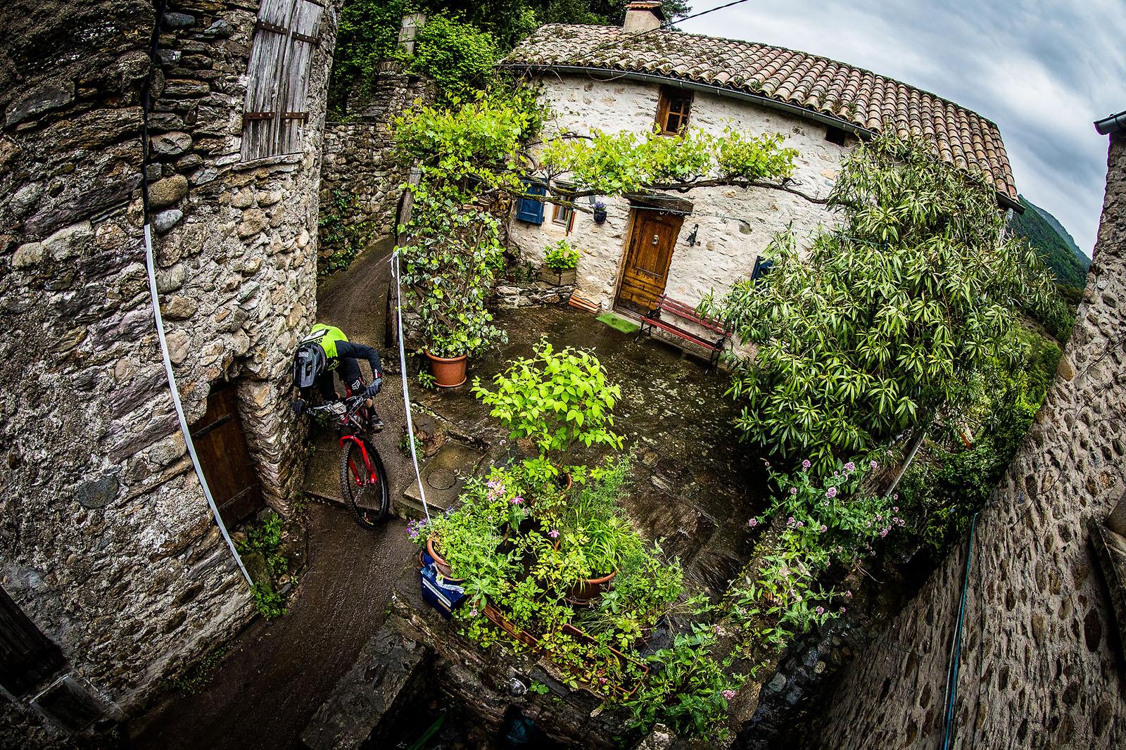 Santa Cruz Bicycles - Mark Scott at EWS 3 in France