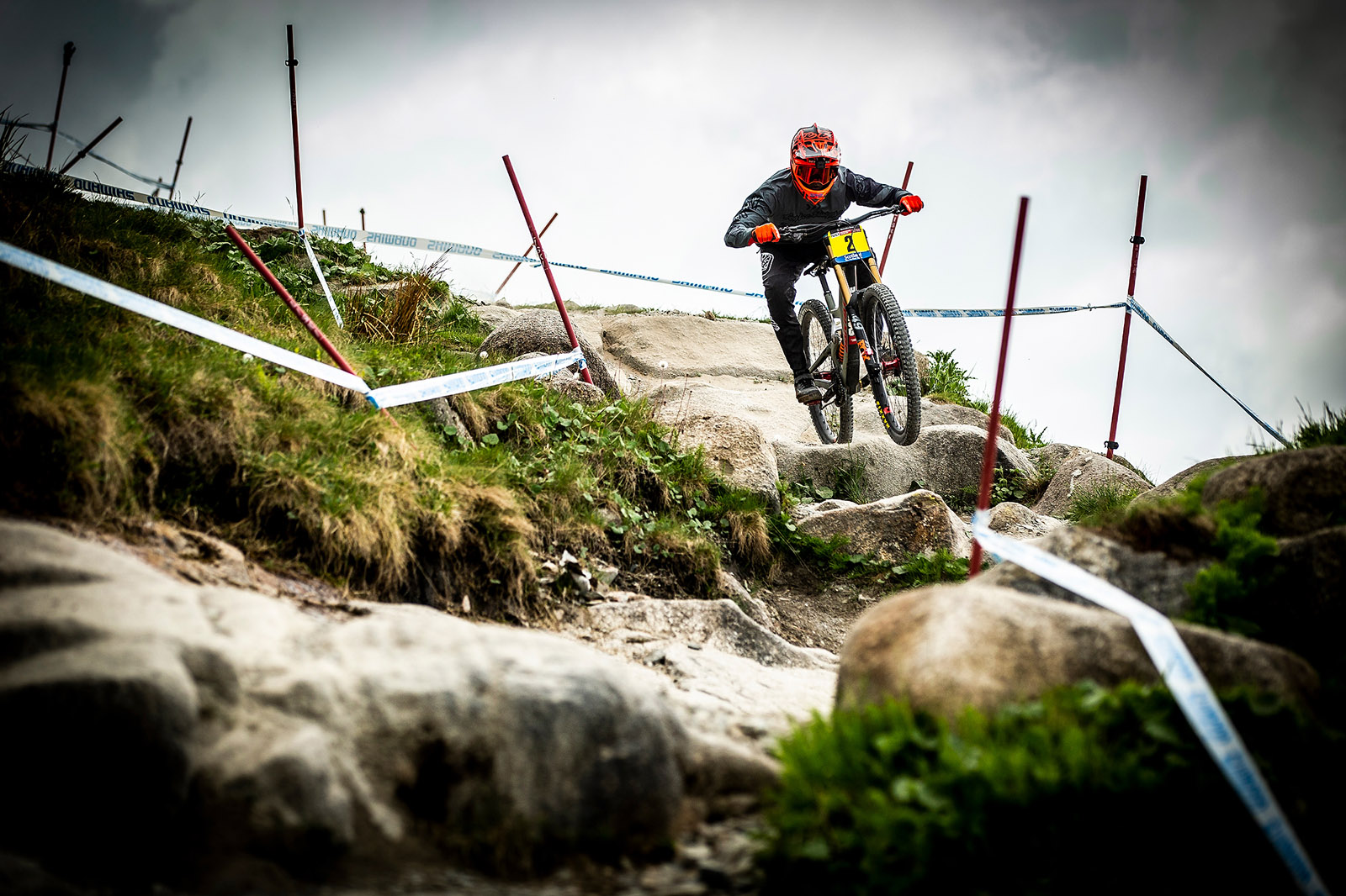 Santa Cruz Bicycles - The Syndicate's Luca Shaw Hitting the Big Stuff Hard at the Fort William World Cup Downhill