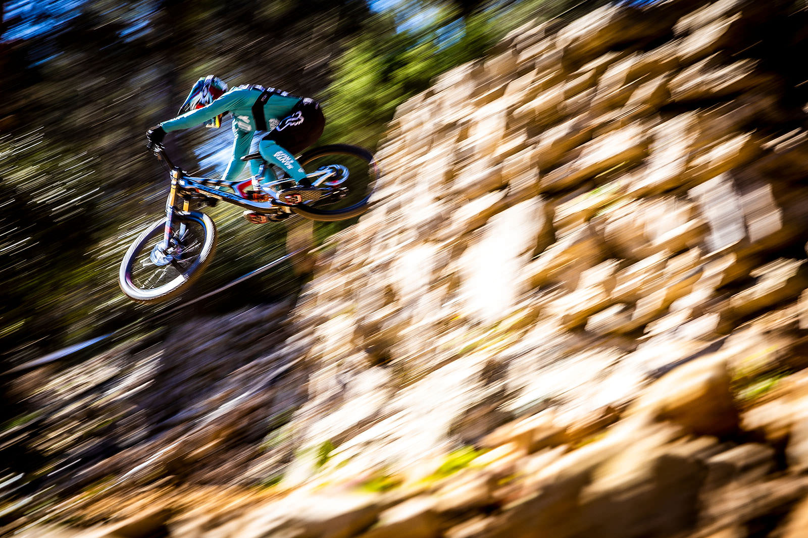 Santa Cruz Bicycles - Pan Shot of Loris Vergier of The Syndicate at the Losinj World Cup DH Race
