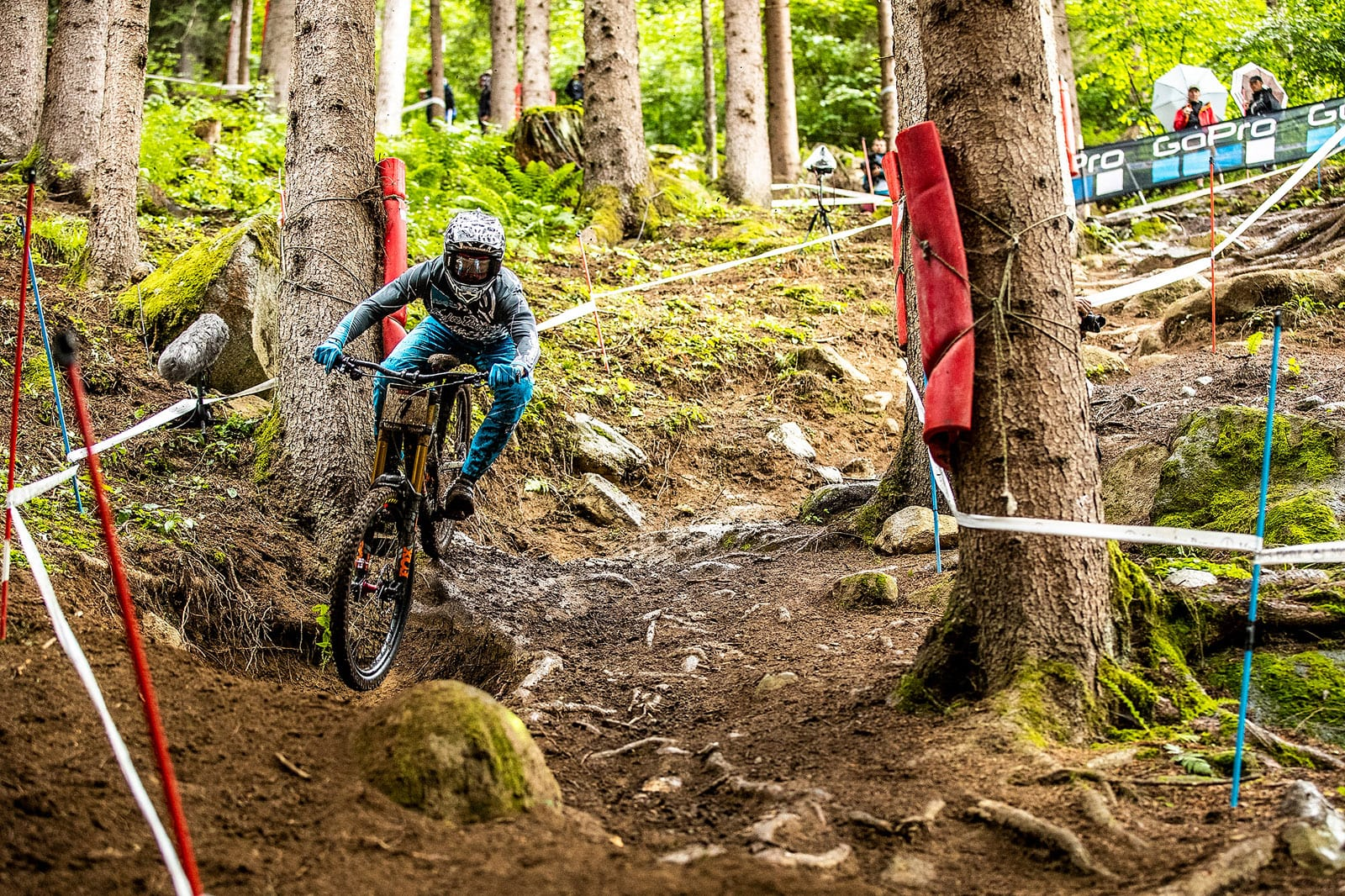 Santa Cruz Bicycles - The Syndicate at Val di Sole World Cup DH - Luca Shaw at Qualifiers