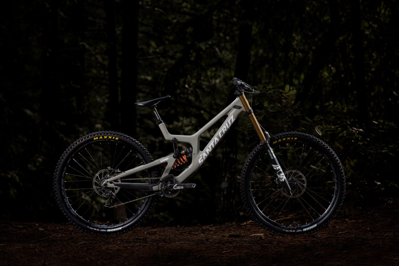 2b31059d830 Santa Cruz Bicycles. MY19 Matte Carbon